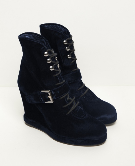 des_boots_blue_velvet_3334_north_607x