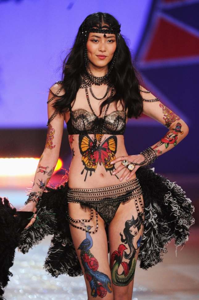 Liu-Wen-1-Victoria-Secret-Fashion-Show-2012