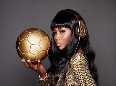 naomi-cambell-beats-dre-world-cup-gold3-683x512