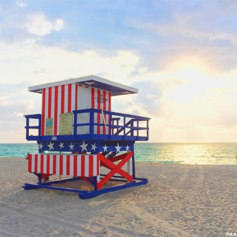 13th-street-american-flag-lifeguard-beach-hut-miami1