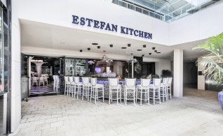 21-estefan_kitchen-mnt-clw